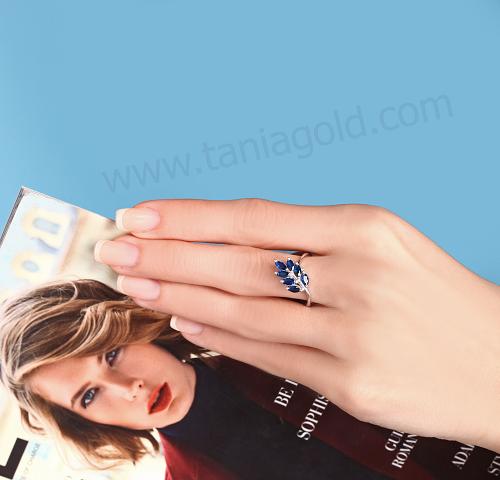 انگشتر خوشه ای آبی