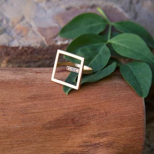 انگشتر مربع